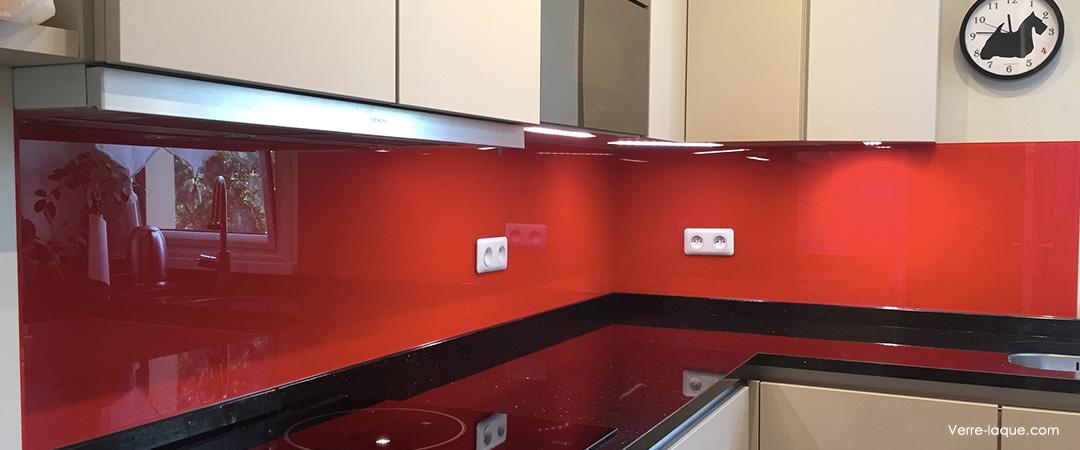credence-cuisine-en-verre-laque-rouge-ral-3020